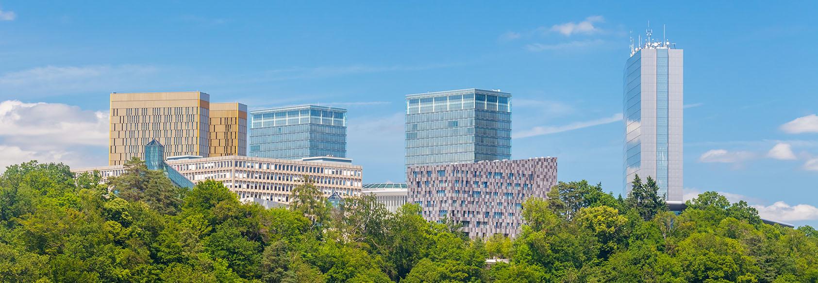 Luxembourgi épületek, köztük az a három, ahol az Európai Parlament fordítói is dolgoznak