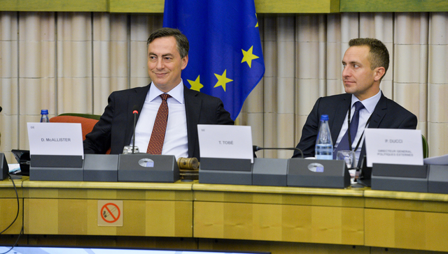 MEPs David McAllister and Tomas Tobé during a meeting in the European Parliament